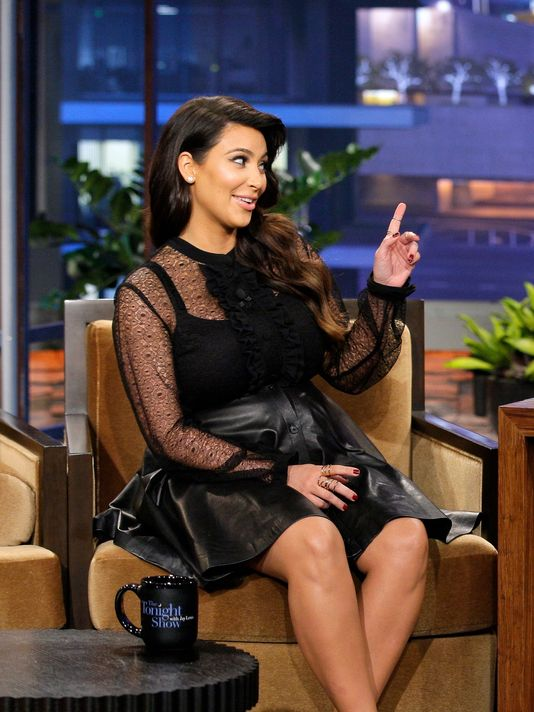 kim kardashian pics of her looking shock